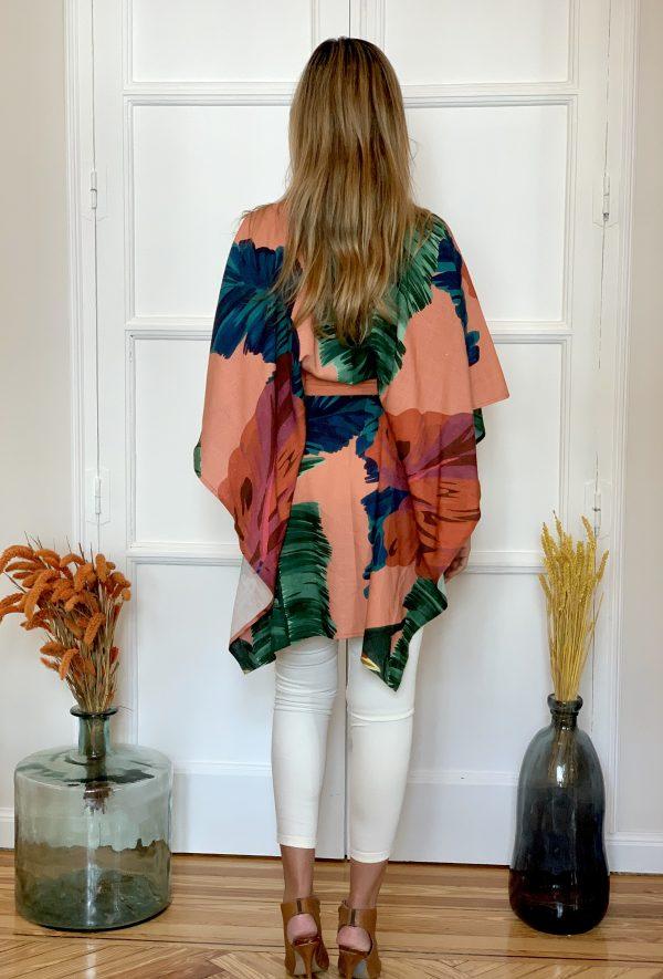 kaftan toribia print de flores, de lino sostenible, con un print tropical, diseño de paloma lajud primavera verano 2020