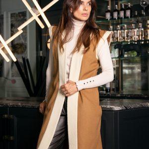 Chaleco de lana sofia invierno color crudo y camel